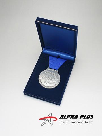 Medallion - Velvet Box